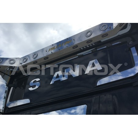 Habillage inox logo Scania arrière cabine R ACITOINOX pour SCANIA NEW R